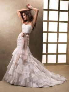 Beautiful unique wedding dresses. Stylish, sexy and affordable from Made-in-China.com