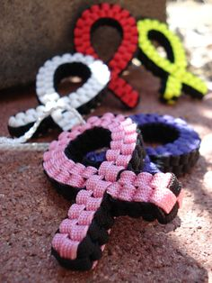 Awareness Ribbons....would love to do this if I could figure it out.