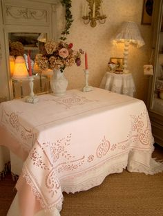 Cutwork Embroidery, Cut Work, Linens And Lace, Shabby Chic Decor, Table Linens, Home Textile, Table Decorations, Bed, Vintage
