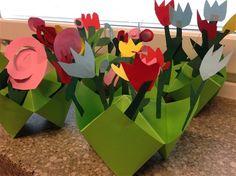 Muumi-projekti - www.fi Fortune Teller Folded Paper Flowers and Vase Folded Paper Flowers, Tove Jansson, Preschool Art, Logos, Fortune Teller, Mothers, Spring, Children, Kids