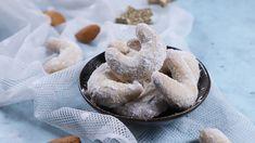 Egy finom Vaníliás kifli ebédre vagy vacsorára? Vaníliás kifli Receptek a Mindmegette.hu Recept gyűjteményében! Doughnut, Camembert Cheese, Dairy, Food, Essen, Meals, Yemek, Eten