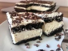 Recept na: Kinder řezy bez mouky Healthy Deserts, Healthy Cake, Healthy Baking, Diet Recipes, Healthy Recipes, Nutella, Sweet Treats, Food And Drink, Low Carb