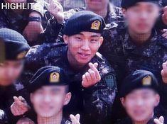 DAESUNG Completed His Basic Military Training 💂    Our Baby DAESUNG Graduation Ceremony at LET'S WIN 😍😭😭💐 ❤    He look very happy I'M SO PROUD OF HIM 😭💂 ❤    #BIGBANG #DAESUNG #DLITE #KANGDAESUNG #YaBaiKANG #빅뱅 #대성 #강대성 #姜大聲 #大聲 #危險的姜 #Dな日 #DなSHOW #DHOUSE #DSHOUSE #DNASHOW #DDAY #BIGBANGVIP #VIP #강대성_웃는얼굴로_다시만나자
