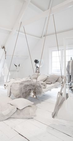 Incredible hanging bed idea in an all white bedroom with lots of cozy blankets and pillows. 54 Cheap Home Decor Ideas You Will Want To Try – Incredible hanging bed idea in an all white bedroom with lots of cozy blankets and pillows. Dream Rooms, Dream Bedroom, Girls Bedroom, Bedroom Decor, Cozy Bedroom, Bedroom Furniture, Furniture Design, Bedroom Bed, Trendy Bedroom