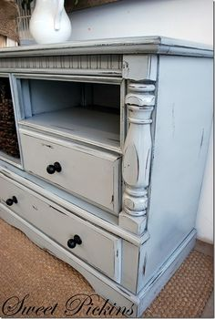 Good blog for distressing furniture by lesley