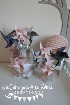 DISPO - 10 Moulins à vent rose poudré rose pale gris - décoration mariage baptême accessoires photobooth rose et gris : Décoration pour enfants par la-fabrique-a-reves
