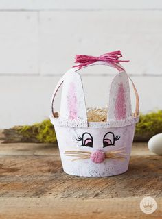This adorable DIY Easter basket idea is made from a simple peat pot.