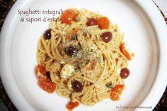 Un piatto di spaghetti integrali che profuma d'estate, sapori mediterranei per una ricetta che accontenterà tutti gli amanti della pasta.