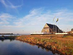 Klubbviken at Sandön in Luleå Archipelago. Boat Tours, Archipelago, Sweden, Cabin, House Styles, Home Decor, Decoration Home, Room Decor, Cabins