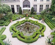 Garden at the Chambres d'Hôtes Hôtel Verhaegen, Ghent, Belgium