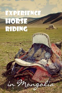 9 Things to experience in Mongolia. The key to the beauty of Mongolia lies in the unforeseen experiences. Read more about my experiences in the Gobi desert, like horse riding in this land of Horses