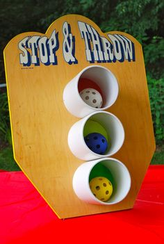 Toss game for back yard kid party (via threadesque: Vintage Carnival Engagement Party) Carnival Birthday Parties, Circus Birthday, Circus Party, Circus Game, Fall Carnival, Carnival Ideas, Diy Carnival Games, Diy Games, Vintage Carnival Games