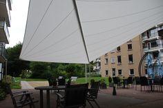 Grote horeca terrasoverkapping, waterdicht doek