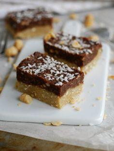 Chocolate hazelnut bites, no bake - Choklad- och hasselnötsbitar, no bake  //Baka Sockerfritt