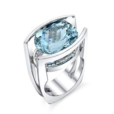 This beautiful oval aquamarine with round brilliant cut diamonds completes any outfit! ;)