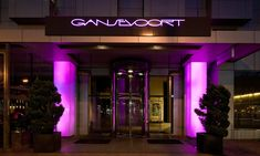 Gansevoort Meatpacking NYC | Touting breathtaking 360-degree panoramic views of New York City and sunsets over the Hudson River, Gansevoort Meatpacking NYC is the first luxury, full service resort in Manhattan's vibrant and historic Meatpacking District. By Hotelied.