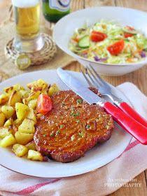 Az otthon ízei: Amerikai szaftos tarja kakukkfüves pirított burgonyával Meatloaf, Tandoori Chicken, Tarot, Ethnic Recipes, Minden, Food, Meat Loaf, Hoods, Meals
