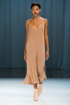 See the complete Ryan Roche Spring 2017 Ready-to-Wear collection.