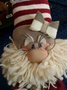 How to Make a {no-sew} Norwegian Gnome! Christmas Sewing, Christmas Gnome, Christmas Art, Christmas Projects, Christmas Decorations, Christmas Ornaments, Scandinavian Christmas, Gnomes, Holiday Crafts