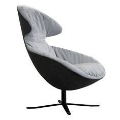Lounge chair with extra cushioned upholstery on swivel base in polished chrome or matt black finish. Additional foot stool available. 360 Swivel with memory return. Dining Room Chair Cushions, Wooden Dining Room Chairs, Living Room Chairs, Farmhouse Table Chairs, Shabby Chic Table And Chairs, Lounge Seating, Lounge Sofa, Seat Cupra, Overstuffed Chairs
