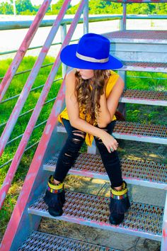 The blue 100 X pure beaver hat is perfect for adding that special pop of color to any western look. These ritzy gypsy boots are so unique and a great accent for the overall bold look. Western Hippie Outfit.