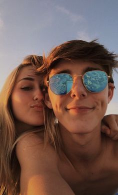 120 Cute And Goofy Relationship Goals For You And Your Soul Mate – Page 29 of 120 – Chic Hostess – relationshipgoalss Cute Couples Photos, Cute Couple Pictures, Cute Couples Goals, Couple Photos, Teen Couples, Couple Goals Relationships, Relationship Goals Pictures, Couple Relationship, Relationship Videos