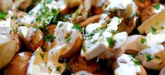 Garlic mushrooms with brie, new potatoes and bacon from the oven Portobello, Tapas, Oven Dishes, Go For It, Dutch Recipes, Brie, One Pot Meals, Winter Food, Quick Easy Meals