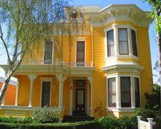 Victorian Italianate architecture