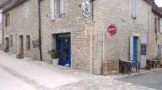 Propriété avec chambres d'hôtes et restaurant à vendre à Montfaucon dans le Lot