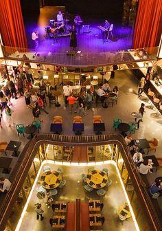 Platea: The most spectacular restaurant in Madrid on an old cinema. Madrid Restaurants, Great Restaurants, Bilbao, Visit Madrid, Foto Madrid, Valence, Teaching Spanish, Spain Travel, Spain