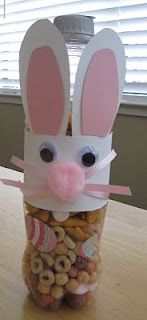 Bunny shaker treat and song to go along with The Easter Egg by Jan Brett. Love this book. Do you have a favorite Easter picture book?