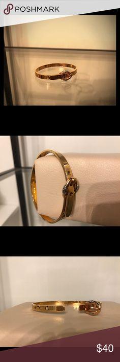 Henri Bendel Bangle Henri Bendel rose gold buckle bracelet. Adjustable to three different sizes. Looks gorgeous on! In excellent condition. Henri Bendel Jewelry Bracelets