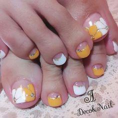 Pretty Toe Nails, Cute Toe Nails, Hot Nails, Pink Nails, Cute Pedicure Designs, Toe Nail Designs, Nail Polish Designs, Pedicure Nail Art, Toe Nail Art