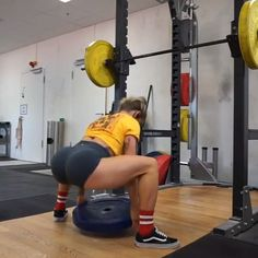Glutes & Legs Training Lady G Fitness Repping my GEO Skull T-shirt whlist training legs and glutes with Front Squats to plate sqaut pluse Bum Workout, Hiit Workout At Home, Workout Videos, At Home Workouts, Extreme Workouts, Easy Workouts, Yoga, Fitness Motivation, Front Squat