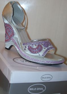 Wild Diva SPEAR-01 Silver Beaded Retro Wedge Peep Toe Shoe 6