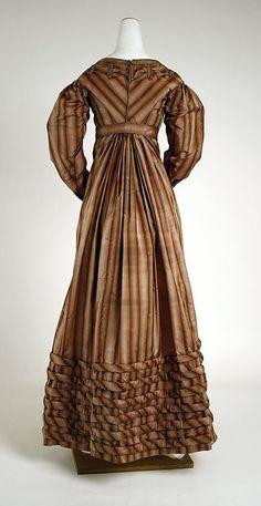 Metropolitan Museum of Art, item #1976.60.2a, b;  1820-23 silk visiting dress, american, Length at CB: 49 in. (124.5 cm)