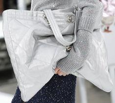 533904921535cb CHANEL Chanel Shopper, Fendi Micro Peekaboo, Chanel Fall 2017, Chanel  Handbags, Purses