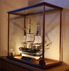 A display case presents the inner-self of the creator. With a look at the display case, you can know the person inside. There are DIY display case ideas. Model Display Cases, Lego Display Case, Glass Display Case, Display Boxes, Souvenir Display, Antique Display Cabinets, Model Ship Building, Museum Displays, Wooden Ship