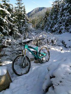 Another Yeti SB-66 mountain bike snow shot