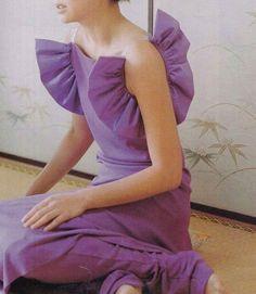 Gaspard Yurkievich via 💜💞 Runway Fashion, High Fashion, Fashion Outfits, Womens Fashion, Dress Fashion, Purple Fashion, Couture Details, Fashion Details, Fashion Design