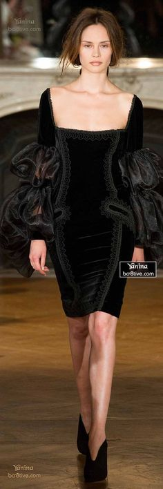 Designer Black Dress LBD Fashion Trends Runway Style Yanina Fall Haute Couture The little black dress oh la la Beauty And Fashion, Look Fashion, High Fashion, Fashion Design, Fashion Black, Fashion Fall, Trendy Fashion, Fashion Vestidos, Fashion Dresses