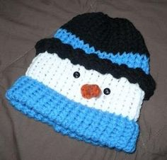 Loom Knit - Frosty Snowman Hat pattern done on KK round looms and spool loom. Posted on Loom Lore - Tom Turkey hat by Brenda Myers converted to Frosty by Michelle Thomas. Bonnet Crochet, Crochet Baby Hats, Crochet Beanie, Free Crochet, Crocheted Hats, Knitted Hat, Loom Crochet, Crochet Toddler, Loom Knitting Projects