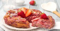 La torta invisibile alle fragole è un dolce favoloso, ricchissimo di fragole, è cremosa, leggera, profumata e buonissima, si scioglie in bocca!