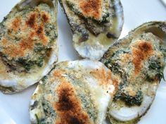 Oysters Florentine If pressed for time, make the spinach mixture the evening before and simply shuck, top, and broil the oysters the next day. Brunch Dishes, Brunch Recipes, Antipasto, Seafood Dishes, Seafood Recipes, Florentines Recipe, Oyster Recipes, Serious Eats, Food Porn