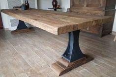 Industriële tafel met oude gietijzeren poten en een 7cm dik zonverbrand oud eiken tafelblad   DT-69