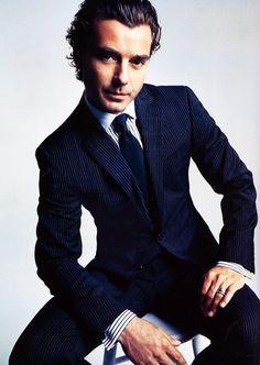 Gavin Rossdale - Gosh he's so good lookin'.