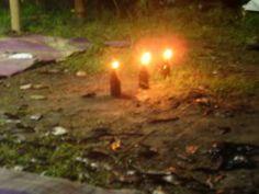 Jumat, 1 April 2011, saya didaulat oleh sahabat-sahabat penggiat Kebun Sastra Kendal untuk mendampingi Gunawan Budi Susanto (atau lebih akrab disapa Kang Putu) untuk membedah buku kumpulan cerpen Jimat Kalimasadha bertitel Bom di Ruang Keluarga yang diterbitkan oleh Keluarga Penulis Kudus (KPK), Desember 2010.
