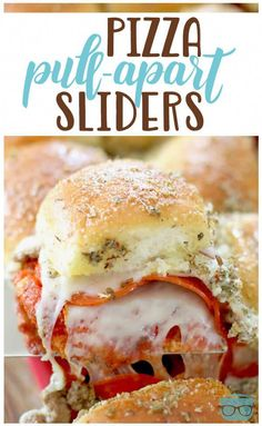 Pizza Pull-Apart Sliders Remix pizza night by serving pizza sliders instead! Pizza Pull Apart Sliders are stuffed with cheese, pepperoni, sausage. Top with a savory buttery spread! Pizza Appetizers, Best Appetizers, Appetizer Recipes, Italian Appetizers, Pizza Recipes, Lunch Recipes, Cooking Recipes, Sandwich Recipes, Pizza Sandwich