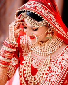 Indian Bride Poses, Indian Wedding Poses, Indian Bridal Photos, Indian Wedding Couple Photography, Indian Bridal Outfits, Indian Bridal Fashion, Bride Photography, Bride Indian, Punjabi Bride
