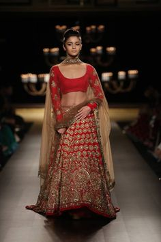Manish Malhotra at India Couture Week 2014 - Alia Bhatt showstopper in red and gold long sleeved blouse bridal lehnga
